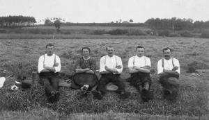 Rast nach getaner Feldarbeit ca. 1920 - Foto: Privatbesitz H. Schleier