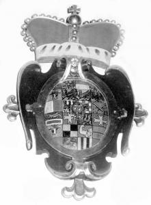 """Wappen mit Fürstenhut von dem """"wilden Markgrafen"""" Carl Wilhelm von Brandenburg ca. 1741 über dem Südausgang der Georgskirche"""