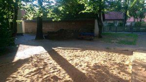 27.07.2018 - Spielplatz Dietersdorf (RPS) - Sandkasten und Bank