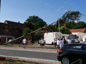 06.07.2019 - Kärwa Dietersdorf (RPS) - Kärwabaum aufrichten