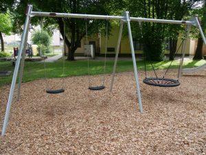 27.06.2021 - Spielplatz Dietersdorf (RPS) - Schaukeln