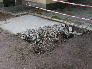 04.08.2021 - Spielplatz Dietersdorf (RPS) - Abriss Bauplatte und Mauer